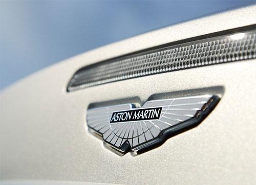 aston-martin-dbs-badge